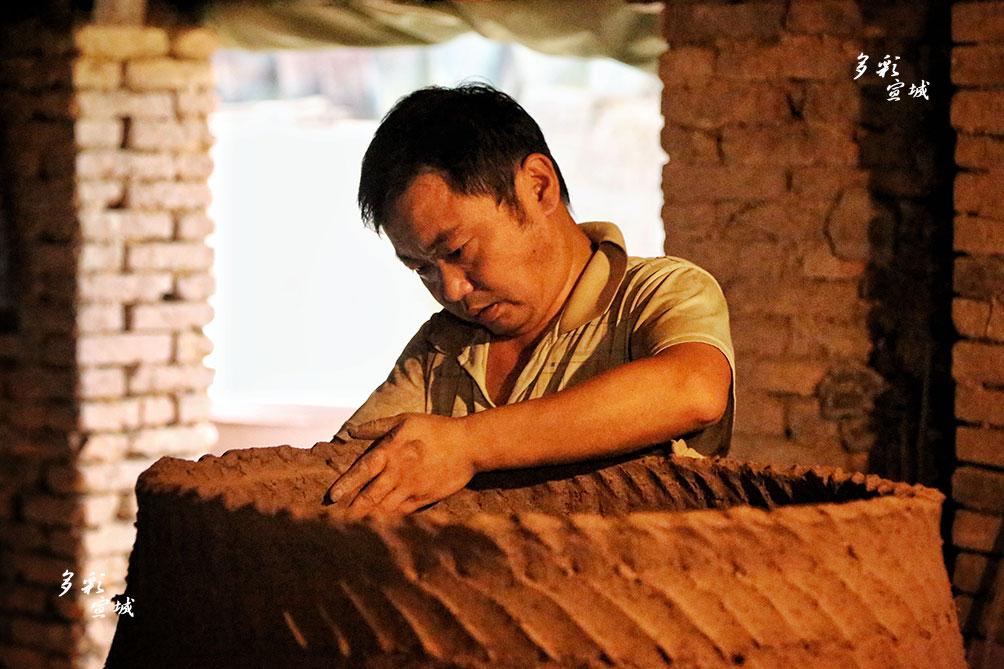 捏泥巴的艺术(陶工)。