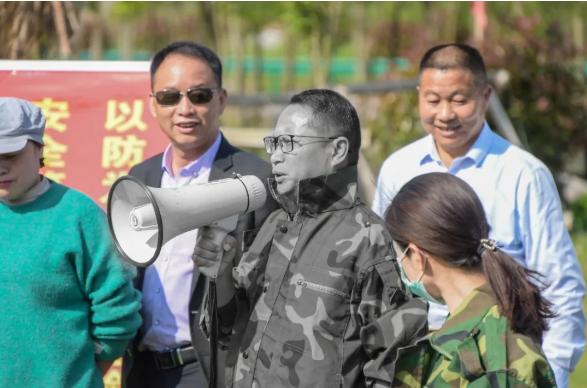 一、今年5月,甘磊參與港口鎮防汛演練。.png